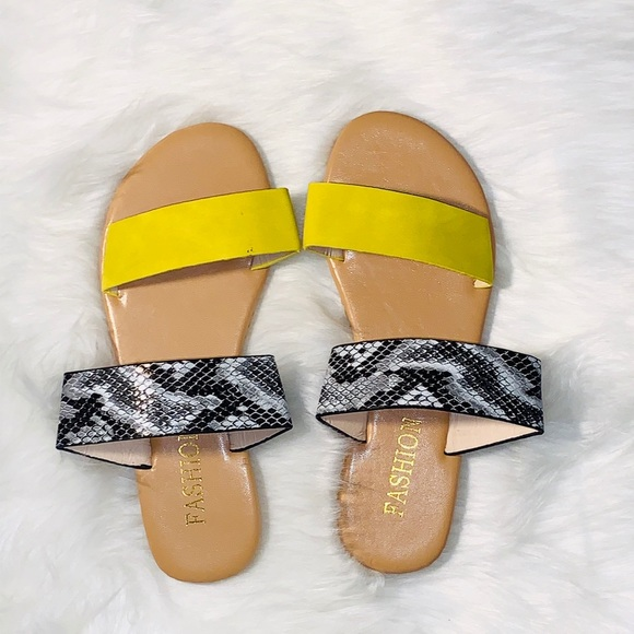 Yellow Snake Women's Sandals sizes 7-9.5